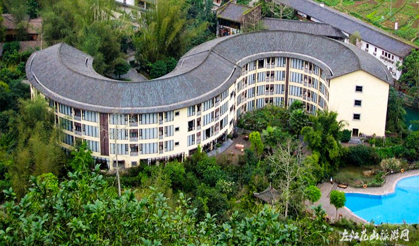 老木棉景区位于广西壮族自治区崇左市大新县硕龙镇隘江村,距